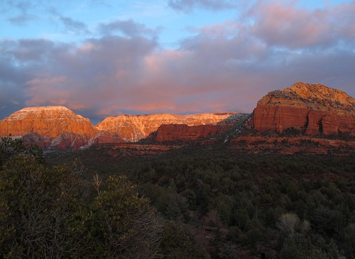 winter light sunset arizona sky mountains southwest nature clouds forest landscape outdoors evening sandstone december butte glow view snowy sedona adventure vista redrocks exploration discovery canyons radiant mesa mountainscape coconinonationalforest redrockcountry longcanyon yavapaicounty redrocksecretmountainwilderness snowdusted sheddingsomelightonthesubject zoniedude1 canonpowershotg11 earthnaturelife sedonaadventure2012