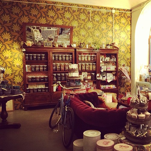 The shop of my friend Valeria: the most beautiful place inTorino by la casa a pois