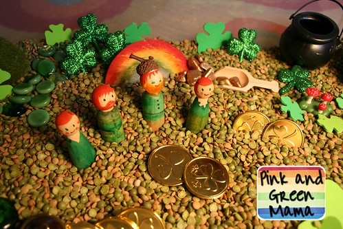 St. Patrick's Day Sensory Box (Photo from Pink and Green Mama)