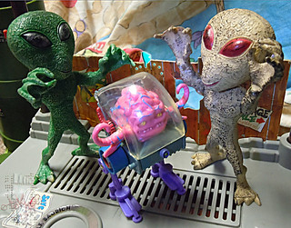"DOLLAR TREE :: ""ALIEN"" ACTION FIGURE; Green & Tan xvi  // ..with KRANG '89 (( 2012 ))"