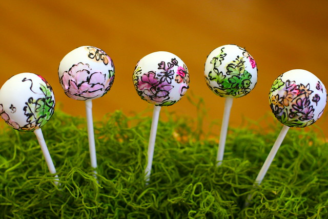 A close-up of our watercolor themed cake pops, wow!