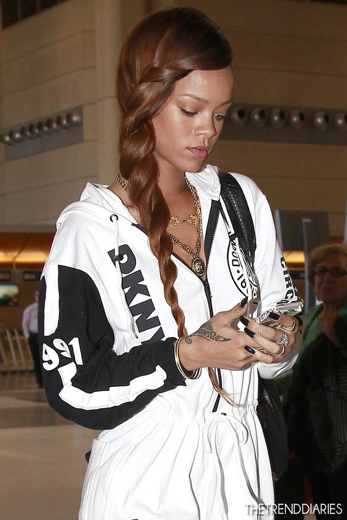 rihanna_march32013_1TrendDiaries