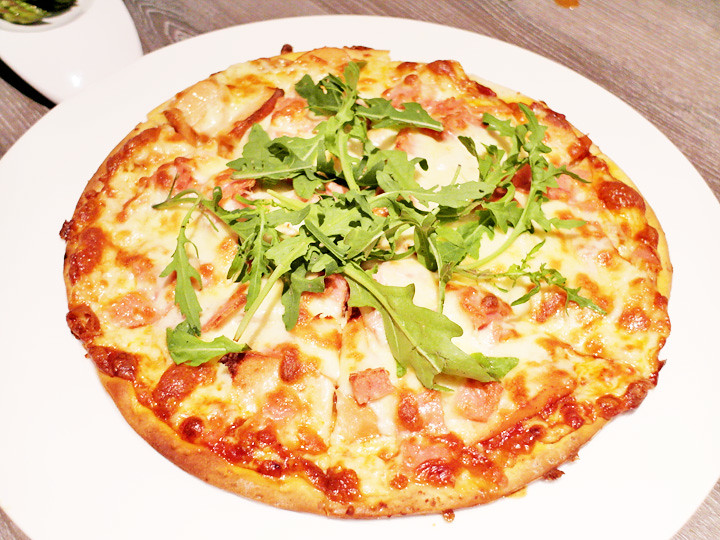 three meat pizza breez bistro bar at grand mercure roxy hotel