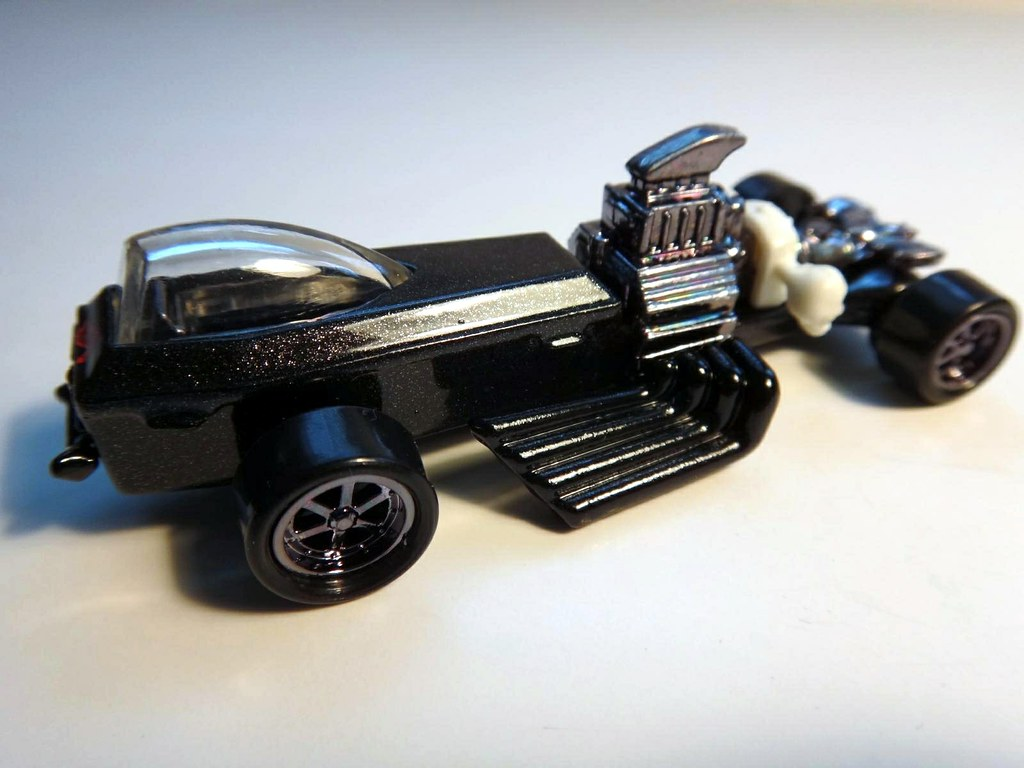 hot wheels rigor motor coffin skull bat toy car