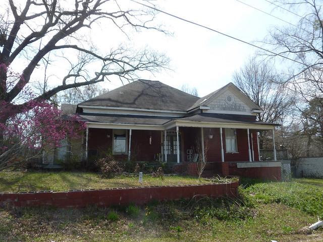 P1180404-2013-03-30-Ellenwood-Georgia-Vernacular-House