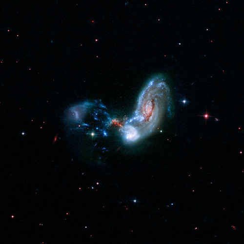 Hubble View of Galaxy Merger II Zw 096