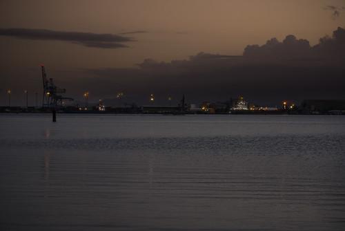 sea cloud port soleil crépuscule grue