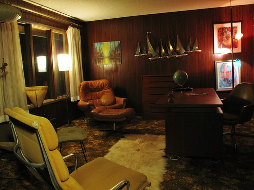 Mid century office by Rinehart Retro