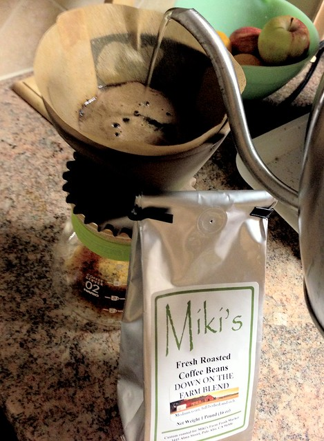 """Trying """"Down On The Farm"""" blend by Miki's Farm Fresh Market"""