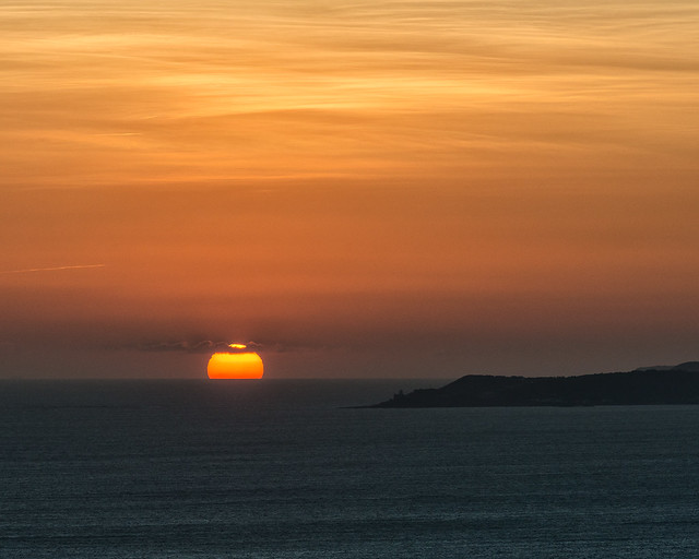 sun-sets-on-the-Bristol-Channel-behind-the-Gower