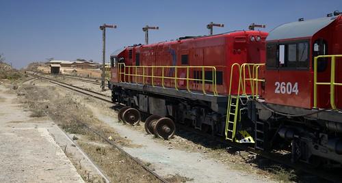 tanzania railway locomotive signal tz 5star wheelset canonef24105mmf4lis rovosrail semaphoresignal makumbako