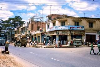 Downtown Pleiku 1970-71 - PHỐ NÚI PLEIKU
