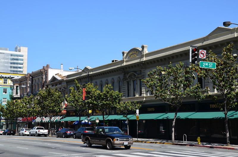 Santa Clara St