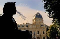 Fontaine du Palmier  vers Palais de Justice Paris France - creative commons by gnuckx