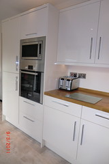 Exif fitted kitchen the tall unit houses an oven for Tall fitted kitchen unit
