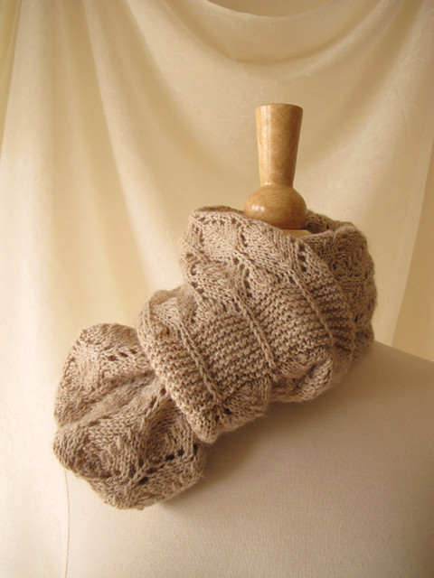 Birchleaf Cowl_Looped