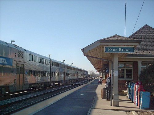 A westbound Metra local commter train arrive at Park Ridge Illinois.  March 2008. by Eddie from Chicago