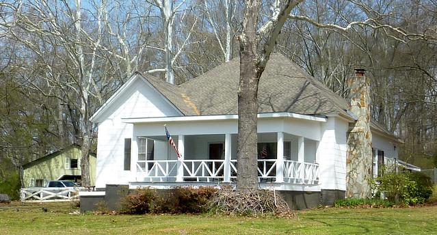 P1180408-2013-03-30-Ellenwood-Georgia-Vernacular-House-porch-stone-chimney-detail