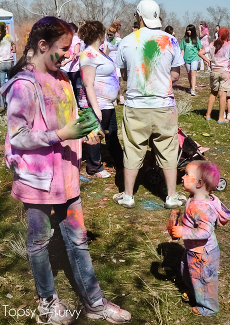 festival-color-baby-boy-reader