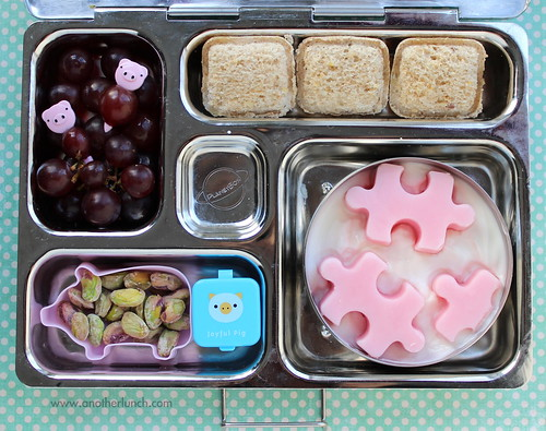 PlanetBox school lunch - piggies & puzzle pieces