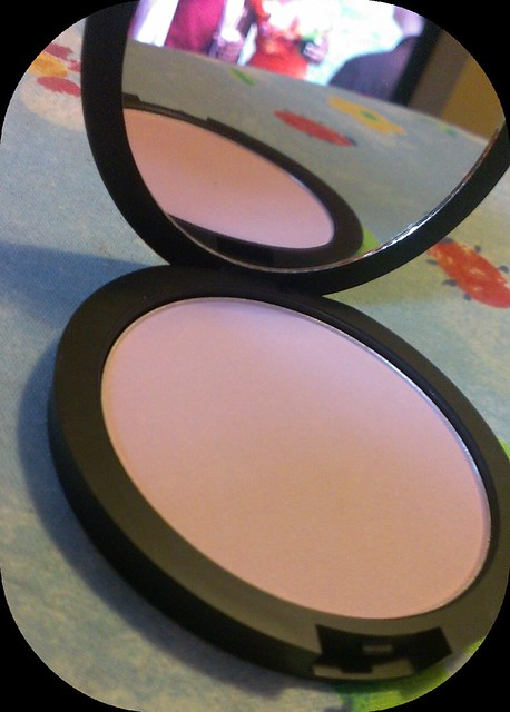 Dainty Doll Blusher in 001 Hippy Shake