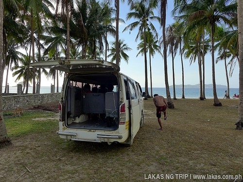 Van we rented for out trip to Nacpan and Calitang Beach