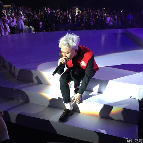 G-Dragon - Kappa 100th Anniversary Event - 26apr2016 - andersonjiang - 09 (Custom)