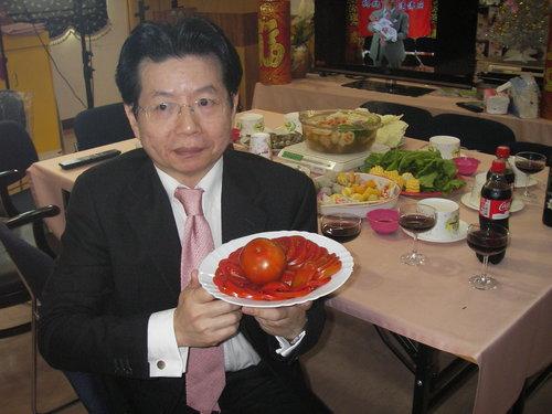 彰化市婦產醫師蔡鋒博提供吃大蕃茄減肥經驗3