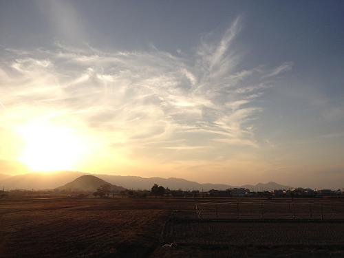 藤原宮跡から眺める「大和三山」(パノラマ写真あり)
