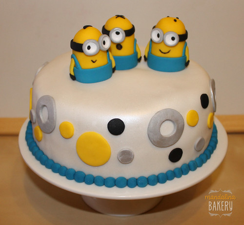 Despicable Me Minions Birthday Cake for Simon 7