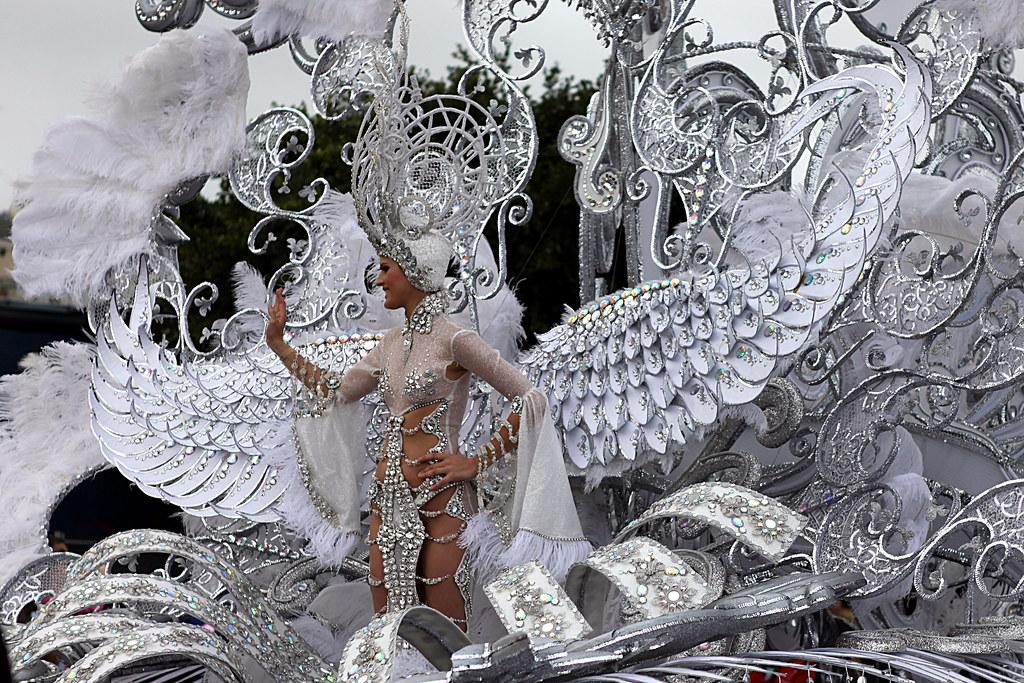 Queen of the Carnival in Santa Cruz de Tenerife - Flickr: maduroman