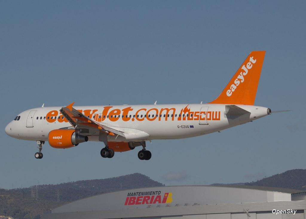 easyJet Airbus A320-214 G-EZUG (cn 4680)