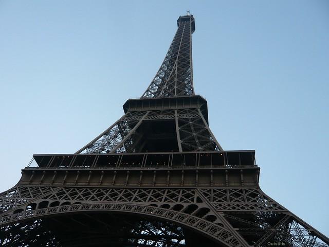 La Tour Eiffel, vue d'en bas
