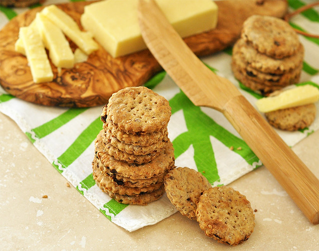 Flaxseed Fig Crackers