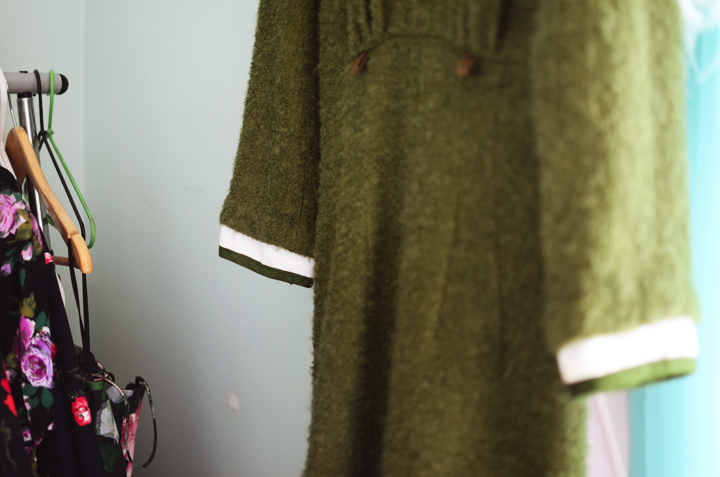 vintage green collar dress d