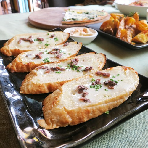 Anchiovy Cream Cheese Bread at Lapin Cafe, Chiangmai, Thailand