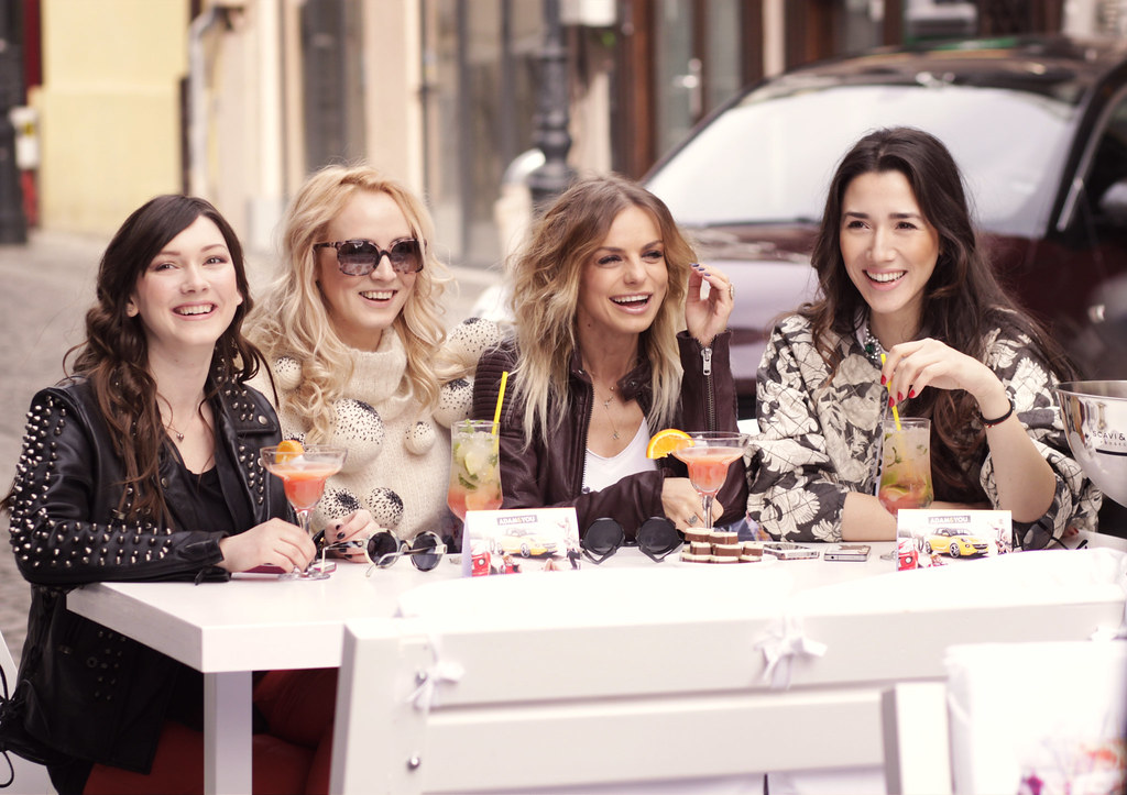 Diana Enciu and Alina Tanasa having fun with jojo - catalina grama and opel adam in the city
