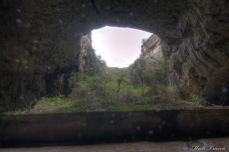 Peștera Devetaska