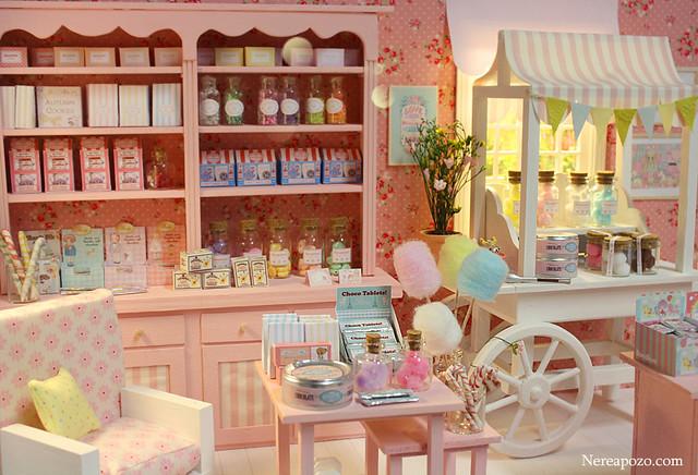 Custom Blythe + Candy Shop diorama