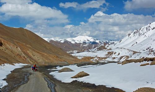 bike bicycle pass tajikistan centralasia velo fahrrad biketour pamir m41 bicycletour fahrradtour zentralasien tadschikistan gornobadakshan pamirhighway akbaital kuhistonibadakhshon kuhistonibadakhshan 15270ft 4655m
