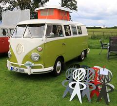 OS JM 166H (1) 1966 VW Westfalia Type 1 Split Screen Van