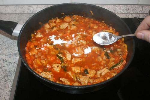 44 - Saucenbinder einrühren / Stir in sauce thickener