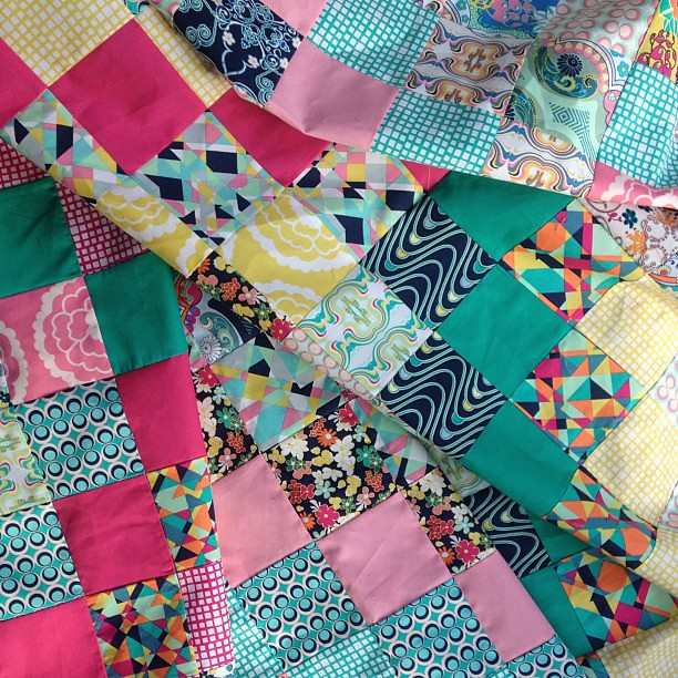 #scrappytripalong carnaby street by @patbravodesign quilt top DONE!!!!