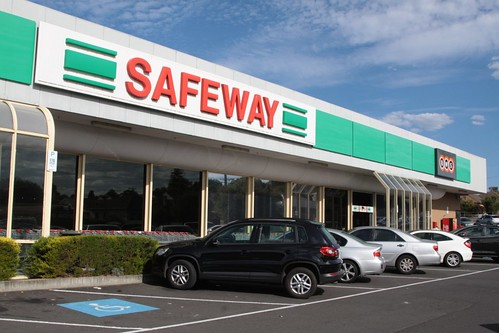 Safeway store still with the old branding in Newtown, Victoria