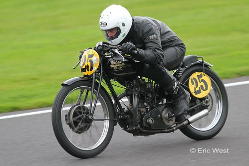 CLASSIC BIKES  CADWELL PARK