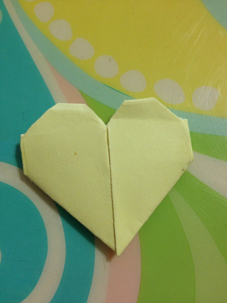 Fold A Piece Of Origami Using A Standard Post It Note