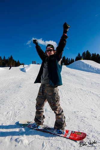 monster happy freestyle photoshoot snowboard trick snowpark rogla monsterenergy nitrosnowboard