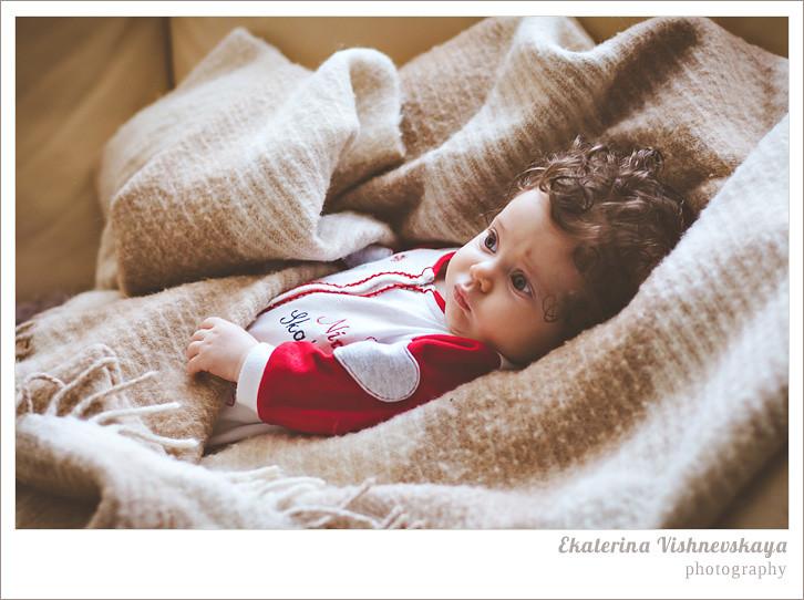 фотограф Екатерина Вишневская, хороший детский фотограф, семейный фотограф, домашняя съемка, студийная фотосессия, детская съемка, малыш, ребенок, съемка детей, сон, ребёнок спит, кудри, кудряшки, нежность, фотограф москва