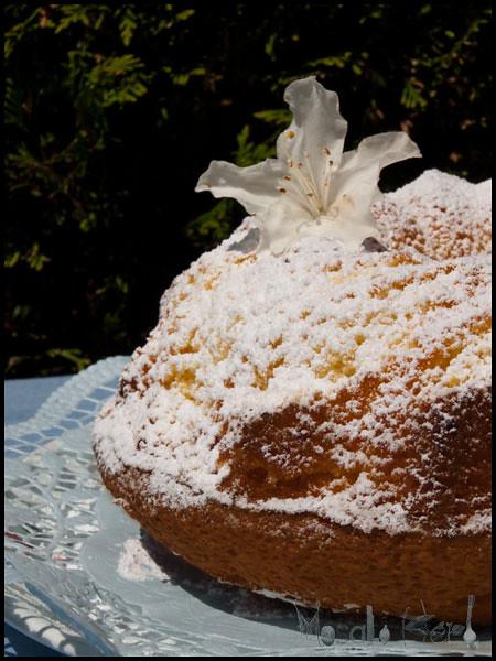 Egg liquor cake