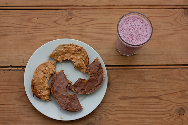 bagel-and-smoothie